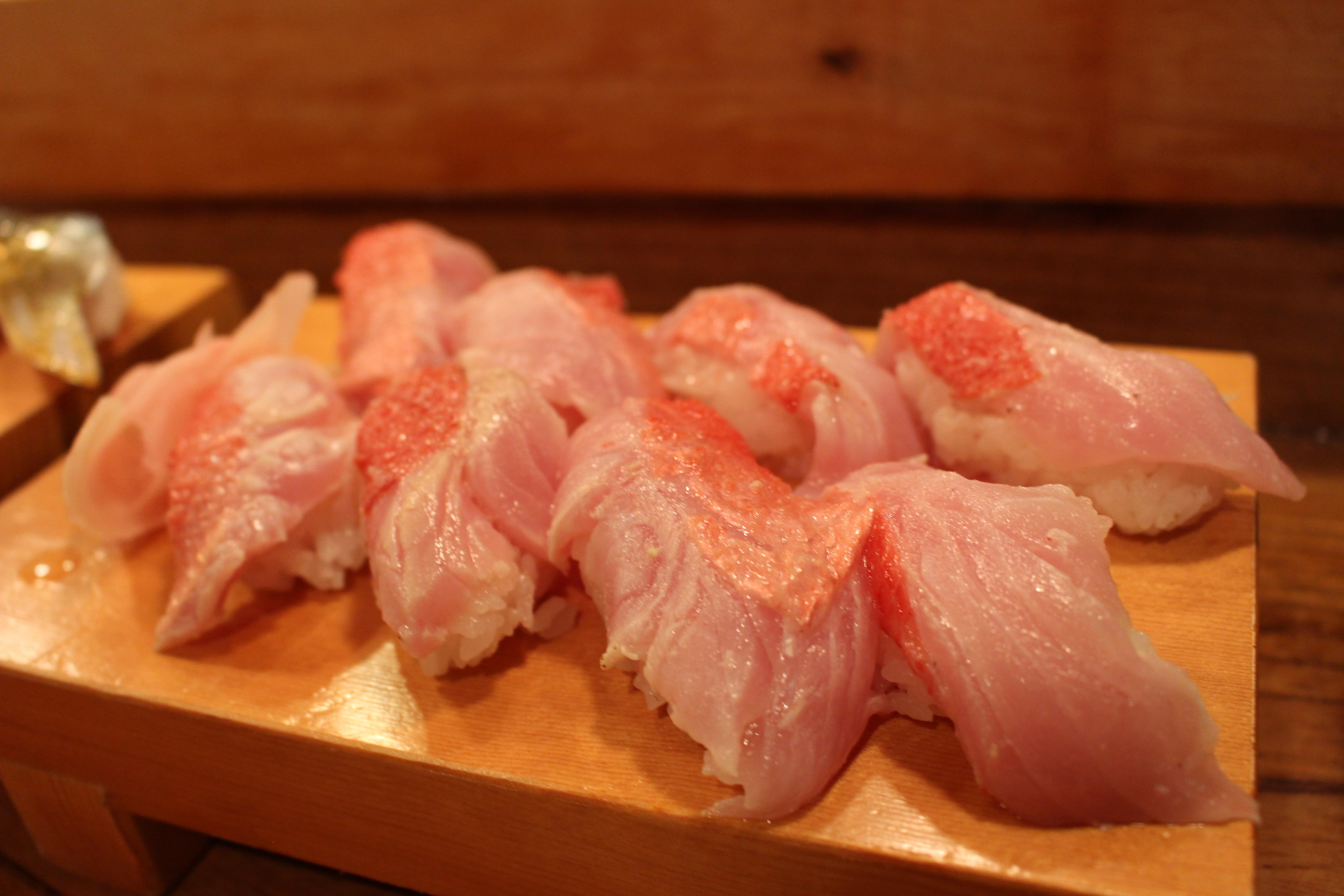 伊豆稲取 魚八寿司 金目鯛握り